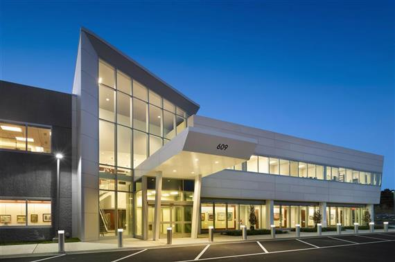 Luthe Sheet Metal completed the core and fit-out of medical offices in this new 75,000 sf. outpatient complex.<br><br>Rendering from Alter+Care